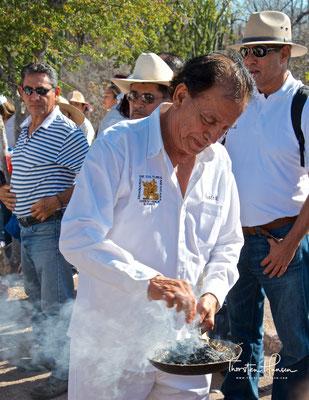 Spirituelle Zeremonie am Rio Fuerte