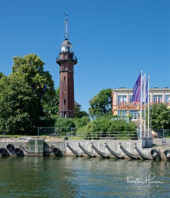 Am 1. September 1939 ging der Leuchtturm von Neufahrwasser in die Geschichte ein, als von ihm aus um 4:45 Uhr auf einen polnischen Militärposten auf der Westerplatte geschossen wurde, was der Beginn des Kampfes um die Westerplatte und damit des Polenfeldz