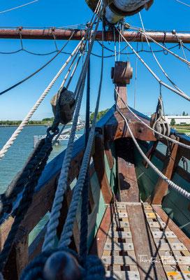 Auf größeren Schiffen der VOC wie der Batavia gab es den Oberkaufmann und Unterkaufmann, die dem Kapitän formell überstanden und ihm Weisungen erteilen konnten. Das Amt des Unterkaufmanns war demnach eine hohe Stellung an Bord.