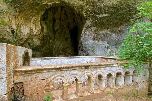 Korykische Grotten - Cennet ve Cehennem