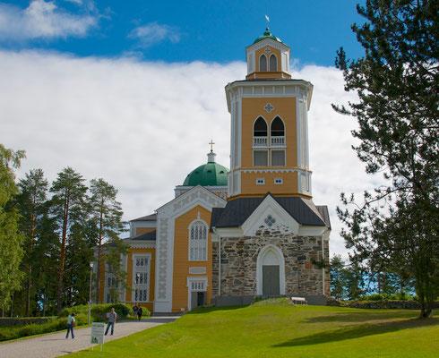 Die Kirche von Kerimäki ist ein Kirchengebäude der Evangelisch-Lutherischen Kirche Finnlands in Kerimäki in Südsavo im Südosten Finnlands. Es wurde von 1844 bis 1847 erbaut und ist die größte Holzkirche der Welt. Die Kirche verfügt über 3.400 Sitzplätze u