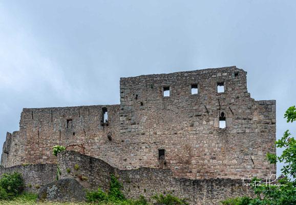 Die Burg wurde von den Landgrafen von Leuchtenberg, einem einflussreichen mittelalterlichen Adelsgeschlecht, in der Bauart mittelalterlicher Ritterfestungen um 1300 erbaut.