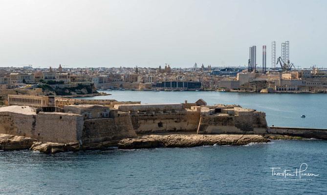 Valletta gilt als eine der historisch am besten gesicherten Städte der Welt, denn sie wird von einem Ring aus Bastionen umgeben.
