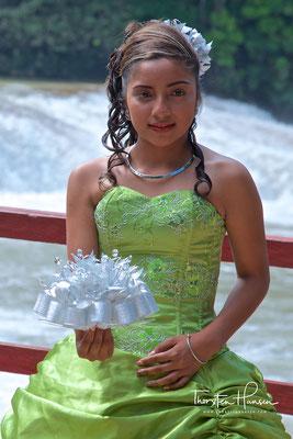 Braut an den  Cataratas de Agua Azul