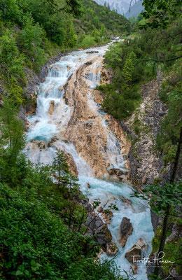 Traumhafter Wasserfall in der Karwendelschlucht