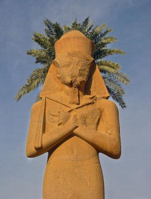 Ramses II Statue im Karnak Tempel