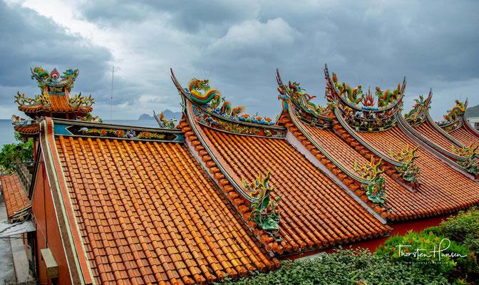 Der Ursprungsname des Dali Tiangong Tempels ist Qingyun Tempel. Der Hauptgott ist der Gott des Jadekaisers (Himmelsgott), der von den Fuzhou verehrt wird.