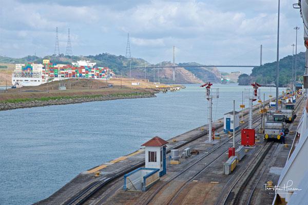 Die Einsparung von 15.000 Kilometern (8.100 Seemeilen) entspricht bei einer angenommenen Schiffsgeschwindigkeit von 15 Knoten einer Verkürzung der Reisezeit um rund drei Wochen.