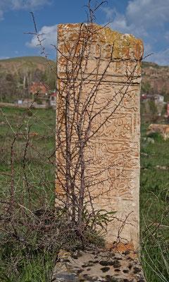 Alter Friedhof bei Celme-Hatun-Türbe in Gevaş