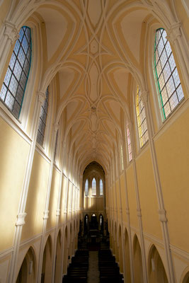 Mittelschiff der Kirche Mariä Himmelfahrt