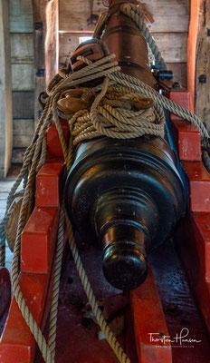Für die Zurückgebliebenen, die unter ständigem Wassermangel litten, begann derweil unter der Führung des zurückgebliebenen Unterkaufmanns Jeronimus Cornelisz aus Haarlem eine grausame Terrorherrschaft mit dem Ziel...