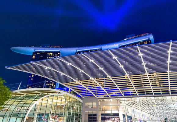 Die Anlage besteht aus einem Casino, einem Hotel, einem Konferenz- und Ausstellungszentrum, einem Einkaufszentrum, einem Kunst- und Wissenschaftsmuseum, zwei Theatersälen, diversen Verpflegungsmöglichkeiten, Bars und Nachtclubs