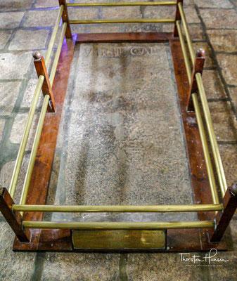 Vasco da Gama starb in Kochi auf seiner dritten Indienreise im Jahre 1524 und wurde in der Kirche begraben.