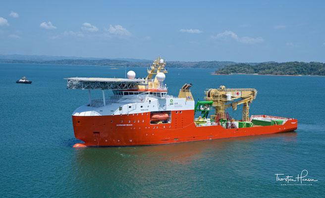 Die norwegische Offshore support Schiff NORMAND REACH im Gatúnsee