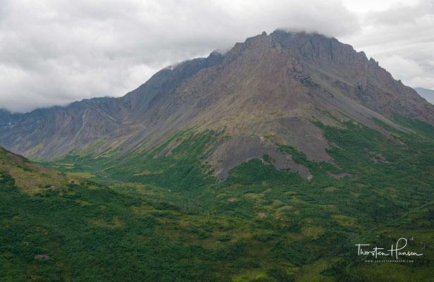 Es gilt seither als das ausführlichste Filmdokument einer Bergbesteigung. Kurz vor Erreichen der Spitze kehrte Genet aber um.