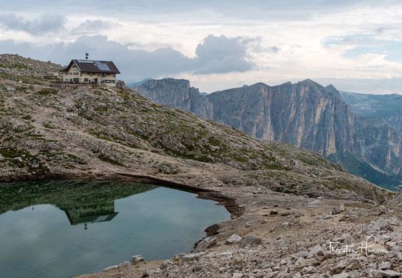 Der Weg der mich zu dem höchsten Punkt der gesamten Alpenüberquerung bringen wird, ist der Wanderweg 666 in Richtung Rifugio Bóe