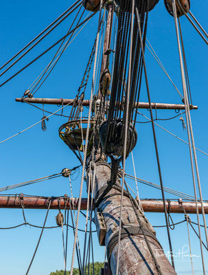 Zusammen mit zwei weiteren Schiffen brach die Batavia unter dem Befehl des Kapitäns und Navigators Ariaen Jakobsz am 29. Oktober 1628 von Texel aus zu ihrer ersten Reise auf.