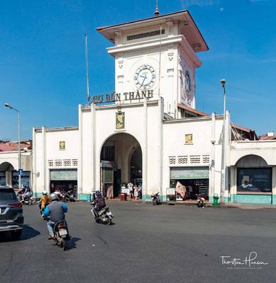 Der 1914 errichtete und 1986 renovierte Ben-Thanh-Markt (Bến Thành Market) ist eines der Wahrzeichen des alten Saigon. Er ist heute eine große Markthalle für Bekleidung, Lebensmittel, Elektronik und Souvenirs.