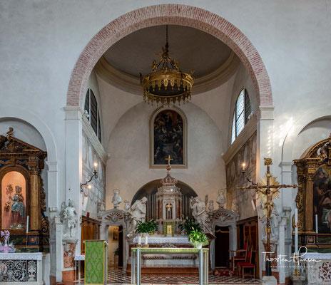 Santa Maria Assunta - Die Pfarrkirche wurde 1026 erstmals erwähnt und im Laufe der Jahrhunderte mehrfach umgestaltet.