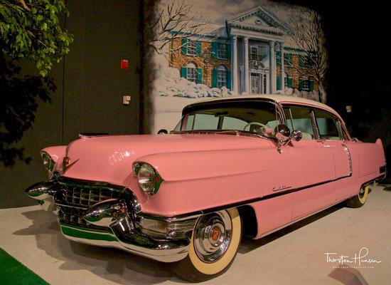 der berühmte Pinke Cadillac für Elvis Mutter