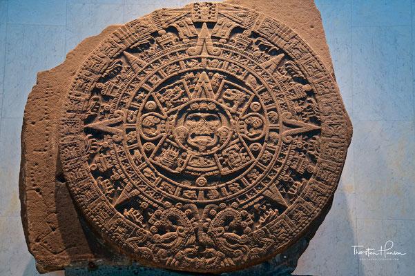 Stein der Sonne - Reliefstein mit Coyolxauhqui