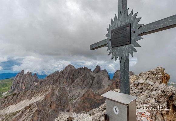 Gipfelkreuz des 2909m hohen Piz Duleda