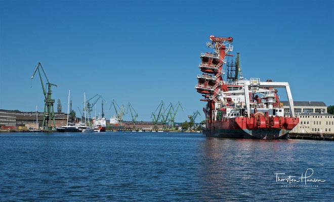 Der Hafen von Danzig (polnisch Port Gdańsk) ist der größte Hafen Polens und der viertgrößte an der Ostsee.