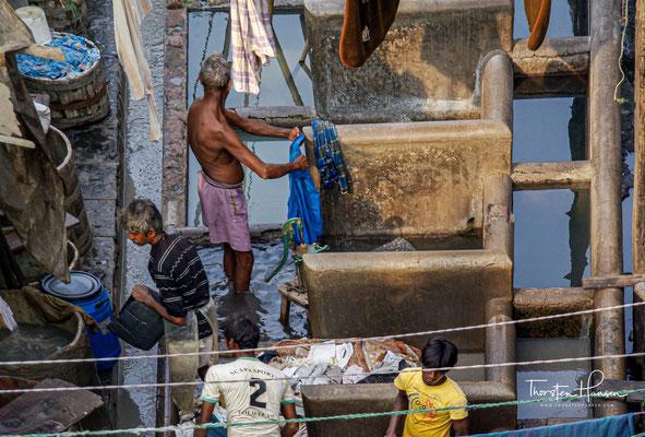 Indiens Gesellschaft verändert sich rapide und die Grenzen zw. den Schichten durchlässiger. Das Kastenwesen bestimmt die Partner- und Berufswahl vieler Millionen Menschen.