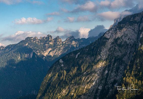 Die Hütte ist ein wichtiger Stützpunkt am Dolomiten-Höhenweg Nr. 1.