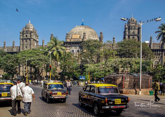Mumbai, seit Beginn der Kolonisation Anfang des 16. Jahrhunderts wurde die Stadt als Bombay bekannt. bin zu 29 Mio. Menschen leben in der Mumbai Metropolitan Region