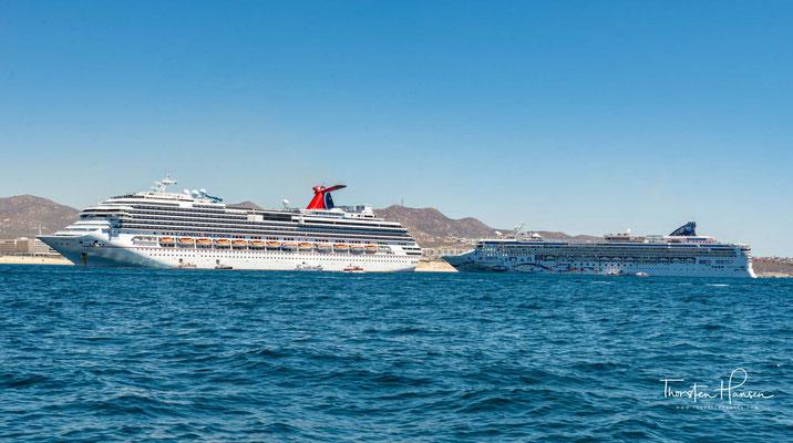 Die Carnival Splendor ist ein unter panamaischer Flagge fahrendes Post-Panamax-Kreuzfahrtschiff der amerikanischen Reederei Carnival Cruise Lines, das am 2. Juli 2008 in Dienst gestellt wurde.