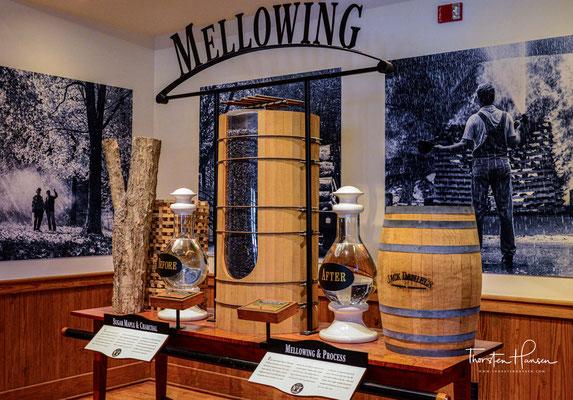 Die grundlegende Marketingstragie von Jack Daniel's besteht seit 1956 und hat dazu beigetragen, die Marke von einer Whiskeymarke unter vielen zum bestverkauften amerikanischen Whiskey zu machen