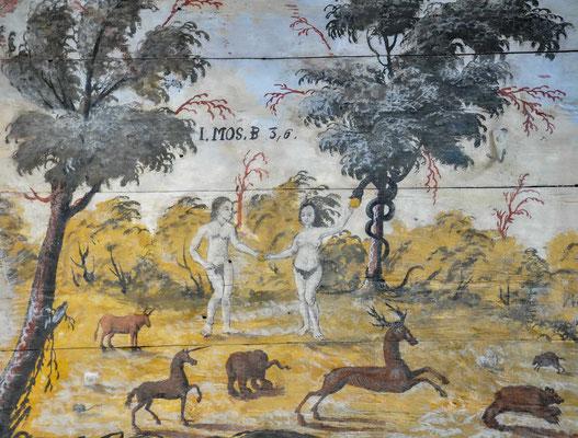 Im Langhaus und im Chor sind Friese vom so genannten Passionsmeister aus dem 15. Jahrhundert entdeckt worden. Freigelegte Reste sieht man an der Südwand des Chores.