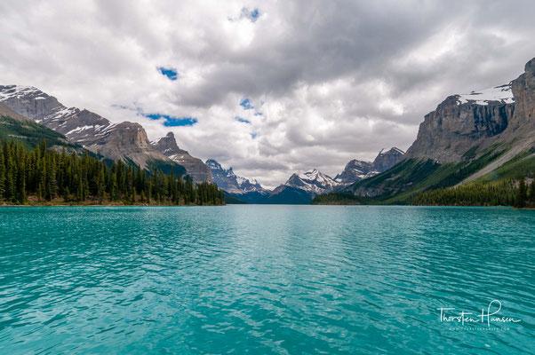Der Maligne Lake  ist ein See im Jasper-Nationalpark in Alberta, Kanada, etwa 50 km südlich der Stadt Jasper.