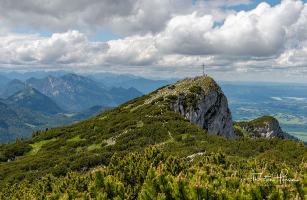 Gipfelkreuz der 1801 m hohen Benediktenwand