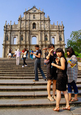 Die Ruinen der Pauluskirche sind Macaus Wahrzeichen und wurden 2005 als Teil des historischen Zentrums Macaus in das UNESCO-Welterbe mit aufgenommen.