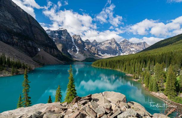 Moraine Lake im Tal der 10 Gipfel im Banff National Park