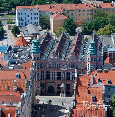 Das Zeughaus, das als Waffenarsenal diente, ist ein typisches Beispiel für den flämischen Manierismus in Danzig