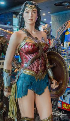 Wonder Woman im Marina bay Sands