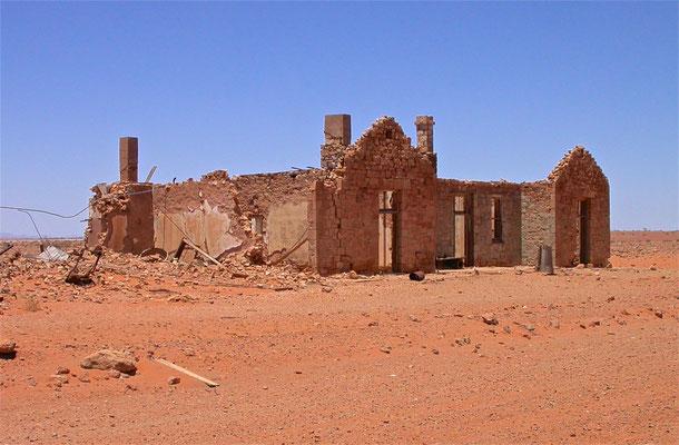 Ruins of Transcontinental Hotel, Farina SA