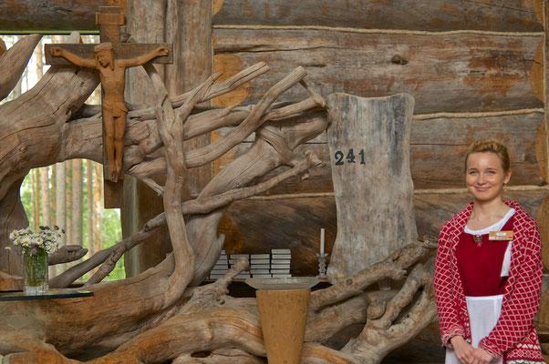 Holzkunst in Paateri von Eva Ryynänen