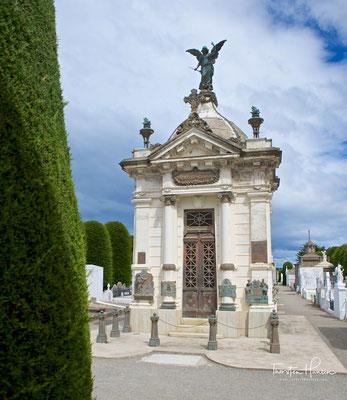 Unter der Verwaltung des Gouverneurs Manuel Señoret wurde der Friedhof am 9. April 1894 eingeweiht. Dieses Heilige Feld wurde gebaut, um das alte zu ersetzen, das sich am heutigen Platz José de los Santos Mardones befand.