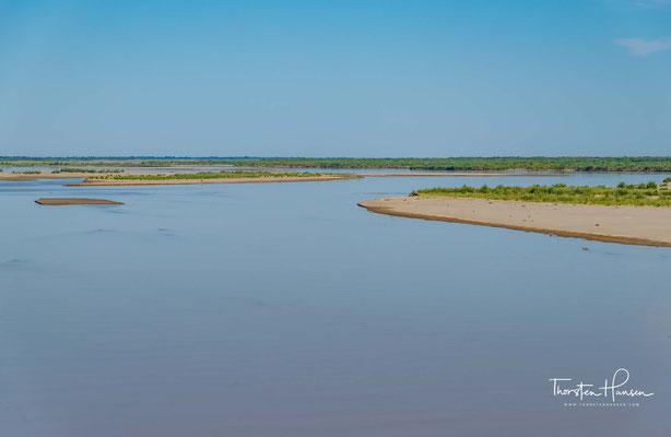 """Der Serafschan ist ein Fluss in Tadschikistan und Usbekistan. Der Name des Flusses ist persischer Herkunft und bedeutet """"Goldspender""""."""