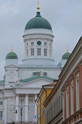 Der Dom von Helsinki ist das weithin sichtbare Wahrzeichen der Stadt