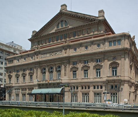 Das Teatro Colón (spanisch für Kolumbus-Theater) ist das bekannteste Theater in Buenos Aires, Argentinien.