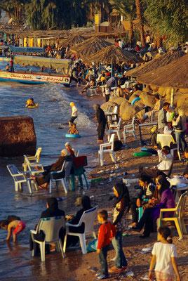 Badebetrieb in Aqaba