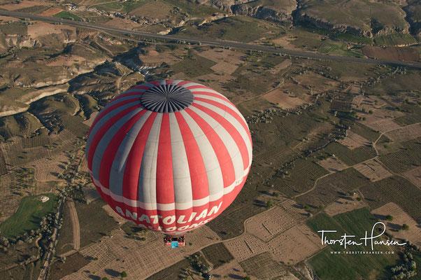 Ballonfahrt über Göreme und die Tufflandschaft von Kappadokien