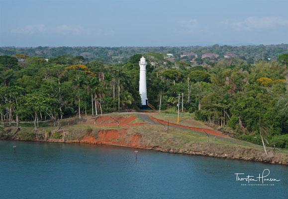 Leuchtturm am Panamakanal in der Nähe der Gattin Schleusen