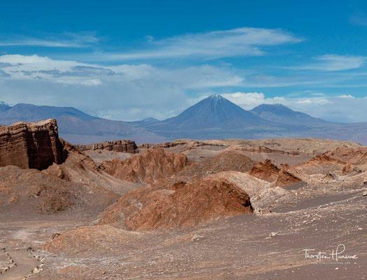 Wie die Sehenswürdigkeiten in der Umgebung wird auch das Valle de la Luna von relativ vielen Touristen besucht. Es ist dem nur wenige Kilometer weiter nördlich gelegenen Tal des Todes recht ähnlich.
