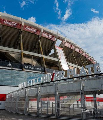 Das Estadio Monumental Antonio Vespucio Liberti, auch bekannt als El Monumental oder Estadio River Plate